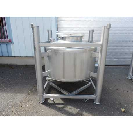 Used stackable stainless steel tank 650L second-hand cosmetic and pharmaceutical industrial equipment front view