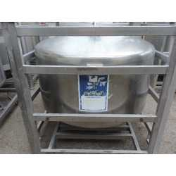 4123 - 650L Stainless steel stackable tank with manhole cover
