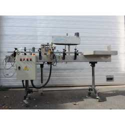 Used Quenard automatic labelling machine round bottles model Autofix Micro 2000 second-hand cosmetic and pharmaceutical industri