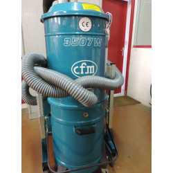 4275 - Vacuum cleaner