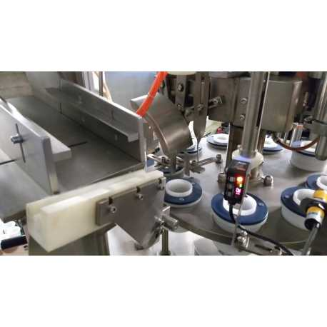 4339 - Tube filling machine - 10 stations